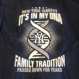 NY Yankee t shirt